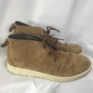 UGG YOUTH SIZE HALF BOOTS SIZE 2